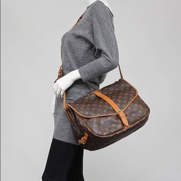 a857cb073eb8 Louis Vuitton Handbags - Authentic Louis Vuitton Saumur 35 Messenger